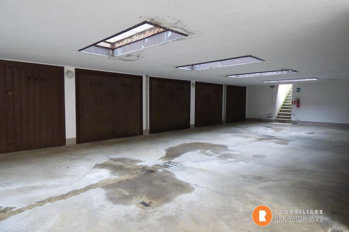 Affitto Garage Garage/Posto Auto Lecco  25137